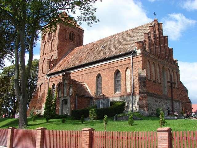 Łąkorz: kościół z połowy XIV wieku - full image