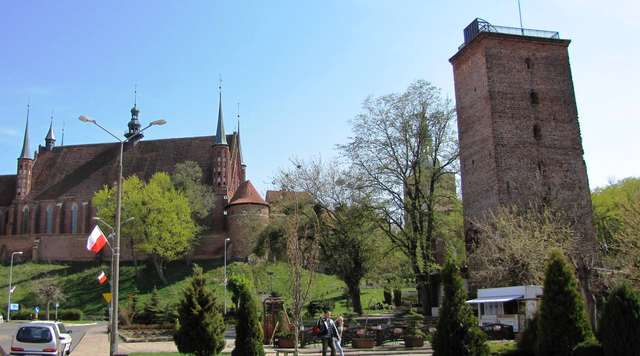 Wieża wodna naprzeciwko Wzgórza Katedralnego - full image