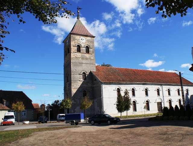 Wielbark: dawny kościół ewangelicki - full image