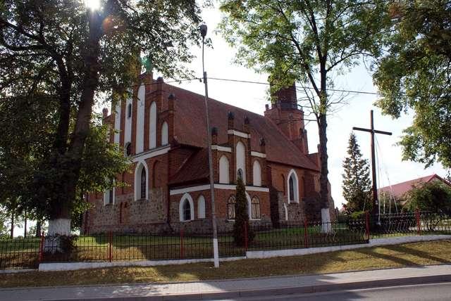 Winda: kościół gotycki z XV wieku - full image