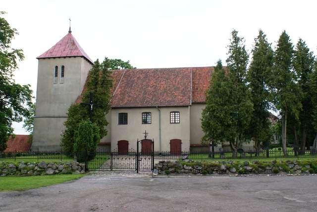 Rodnowo: kościół z XIV wieku - full image