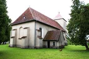 Kościół z XIV wieku w Rodnowie