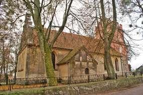 Kościół z XIV wieku w Runowie
