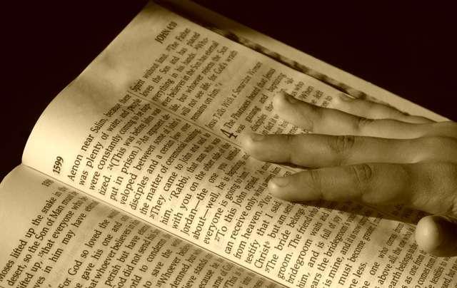 Namiot Spotkania to modlitwa, która pozwala zacieśnić naszą osobistą i osobową relację z Bogiem. To modlitwa, której warto poświęcić czas.  - full image