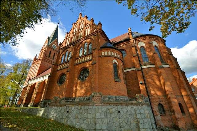 Bazylika Mniejsza w Gietrzwałdzie nierozerwalnie kojarzy się z kultem Matki Boskiej - full image