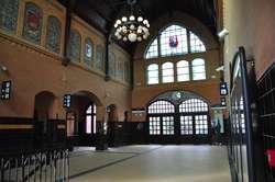 Hol iławskiego dworca kolejowego