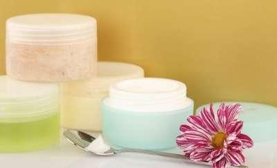 5 skutecznych sposobów na przechowywanie kosmetyków