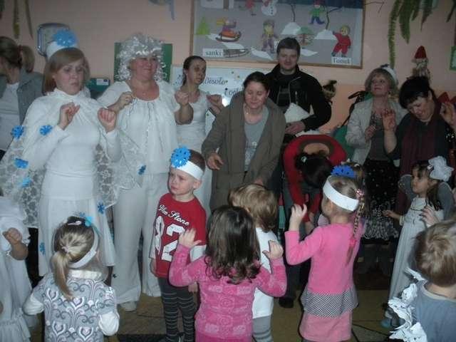 Ostatni bal karnawałowy w Przedszkolu w Olecku - full image