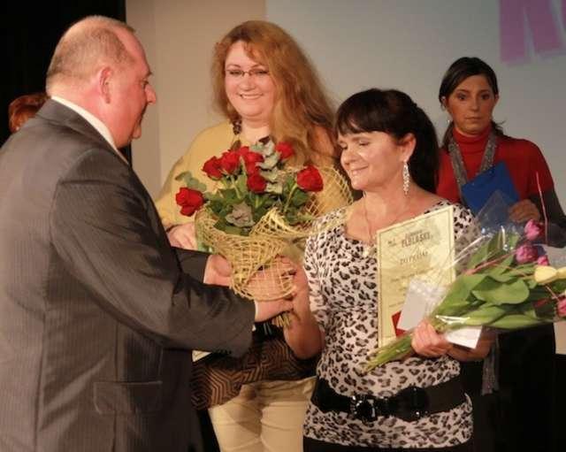 Bożena Lemierska zdobyła tytuł Super Babki Dziennika Elbląskiego w 2011 roku   - full image