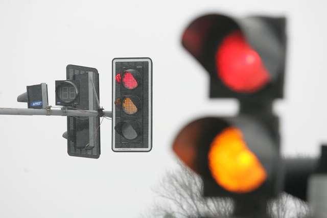 Sygnalizacja świetlna. Czy przestrzegamy przepisów? - full image