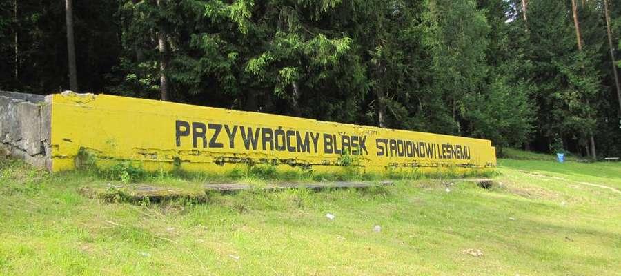 To dawna trybuna honorowa na Stadionie Leśnym w Olsztynie