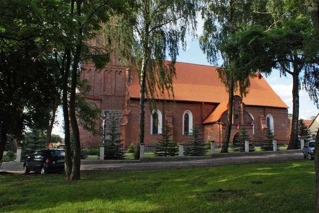 Srokowo: kościół z początku XV wieku - full image