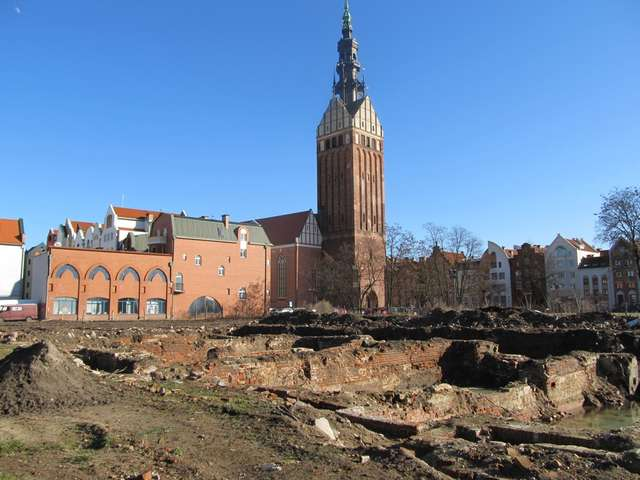Katedra Św. Mikołaja to najbardziej charakterystyczny obiekt elbląskiej starówki - full image