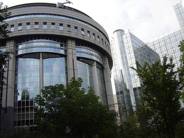 Parlament Europejski w Brukseli - full image
