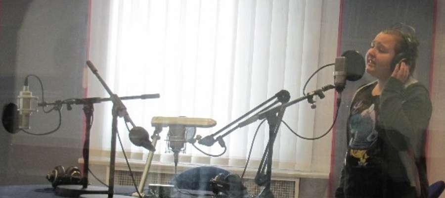 Sylwia podczas nagrywania płyty