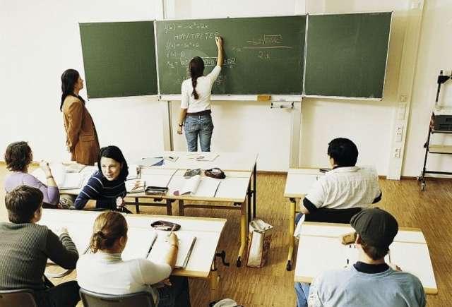 Zegar maturalny - do egzaminu zostało 30 dni... - full image