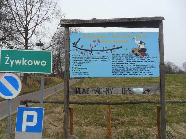Bociania Wioska wita turystów.  - full image