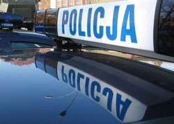 Osobówka zderzyła się z busem. 2 osoby ranne