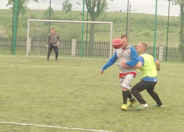 W turnieju zagrało pięć drużyn - full image