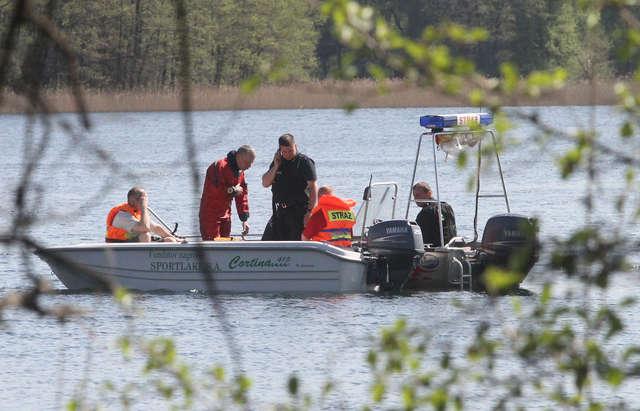 Wyłowili zwłoki z jeziora Limajno. To ciało zaginionego 40-latka? - full image