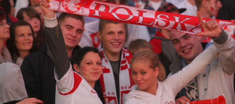 Polscy kibice są pewni, że w mistrzostwach świata 2018 r. zobaczymy także Polaków - kto wie może akurat na stadionie w Kaliningradzie