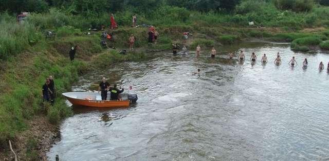 15-latek utopił się w Gubrze. Ratował młodszego brata? - full image