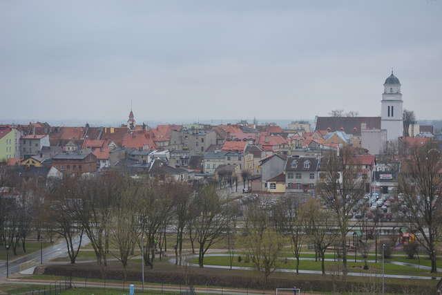 Panorama miasta z okna wieży - full image
