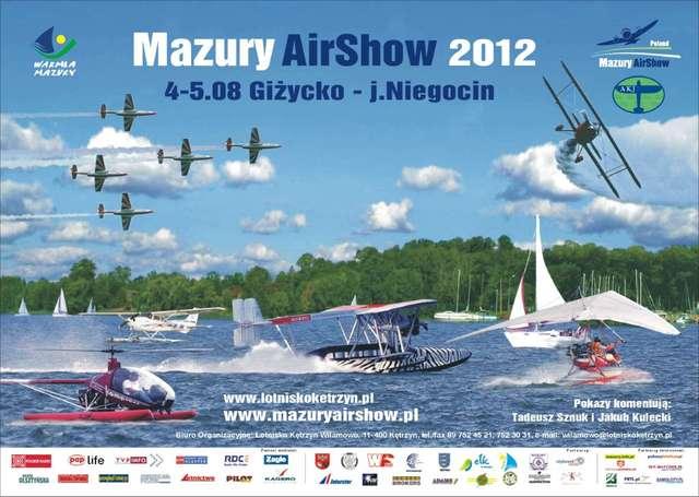 Giżycko: Mazury AirShow 2012 na plaży i na lotnisku - full image