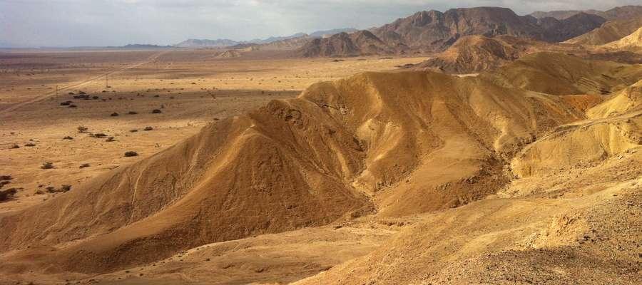 """""""Pójdźcie wy sami osobno na miejsce pustynne i wypocznijcie nieco""""."""