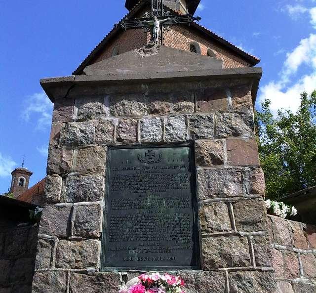 Pomnik poległych w Sząbruku - full image