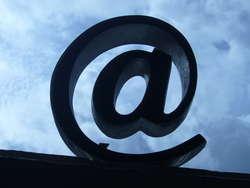 Jaka powinna być korespondencja służbowa