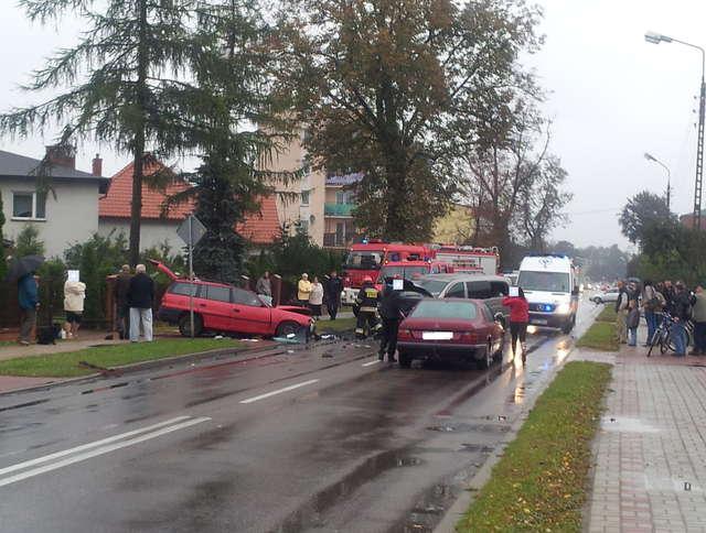 Pięć osób trafiło do szpitala. Wypadek drogowy w Działdowie  - full image