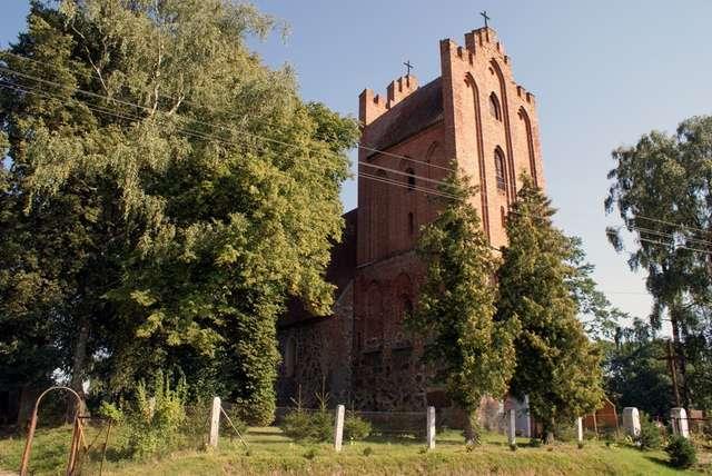XIV-wieczny kościół jest dumą mieszkańców Kraskowa - full image