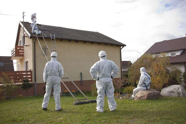 Ponad 7 tysięcy ton azbestu usunięto z dachów domów na Warmii i Mazurach - full image