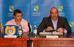 Z lewej Dariusz Snarski, z prawej Marcin Najman.