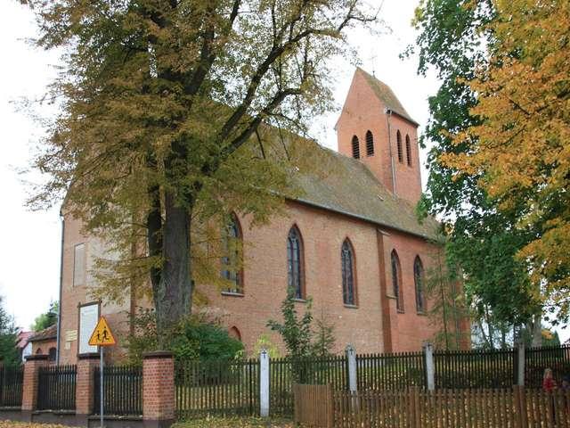 Kościół św. Jakuba Starszego w Butrynach - full image