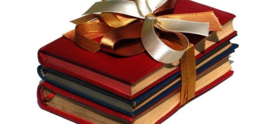 """Podaruj książkę i przyłącz się do akcji """"Książka pod każdą choinką'"""