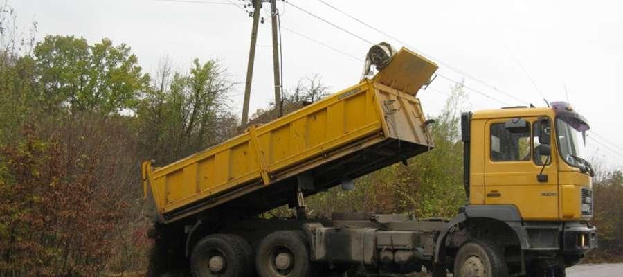 Rozpoczęły się prace przy budowie nowej drogi w Suchaczu