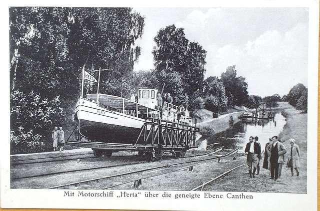 Historia żeglugi po kanale liczy już 100 lat - full image