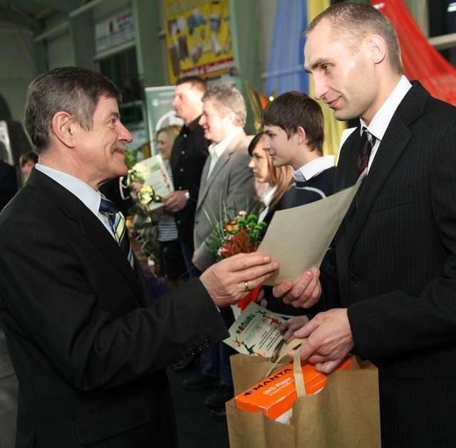 W ubiegłym roku sms-owy konkurs na sportowca wygrał Wojtek Wiśniewski - full image