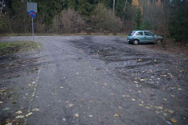 Kierowcy quadów i samochodów niszczą Las Miejski w Olsztynie - full image