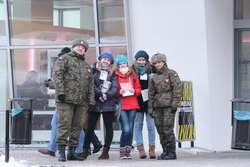 Wolontariusze 21. WOŚP na ulicy Warszawskiej w Giżycku