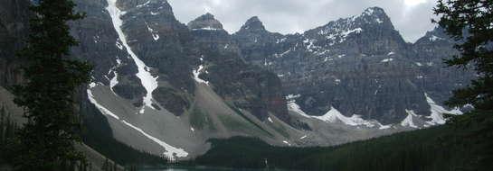 Góry Skaliste przez wielu podróżników uważane są za jeden z najpiękniejszych masywów górskich na świecie