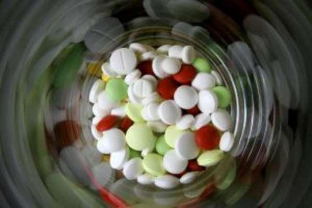 Czarny trójkąt na unijnych lekarstwach - full image
