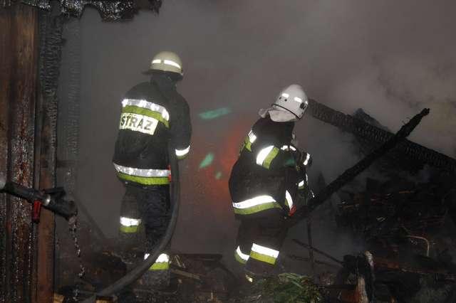 Tragiczny pożar w Wielbarku. Zginęły dwie osoby - full image