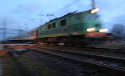 Pociąg potrącił 24-latka. Tragiczna noc na torach w okolicach Morąga