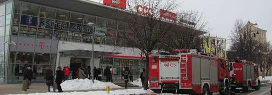 Strażacy sprawdzali informację o zagrożeniu, którą otrzymali z Galerii Batory