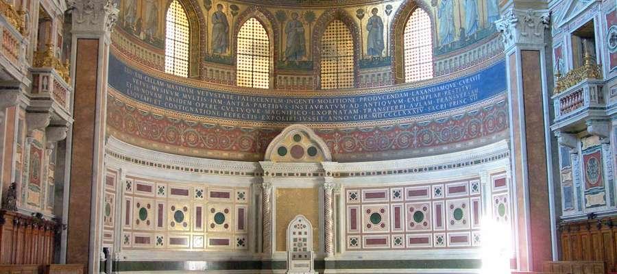Tron papieski w bazylice św. Jana na Lateranie (katedra biskupa Rzymu, papieża) pozostał pusty.