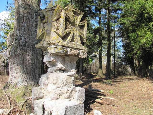 Czyprki: cmentarz ewangelicki i cmentarz wojenny z I wojny światowej - full image
