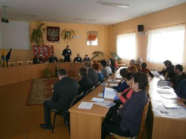 Bezpieczeństwo to nasza wspólna sprawa - debata w Gozdowie - full image